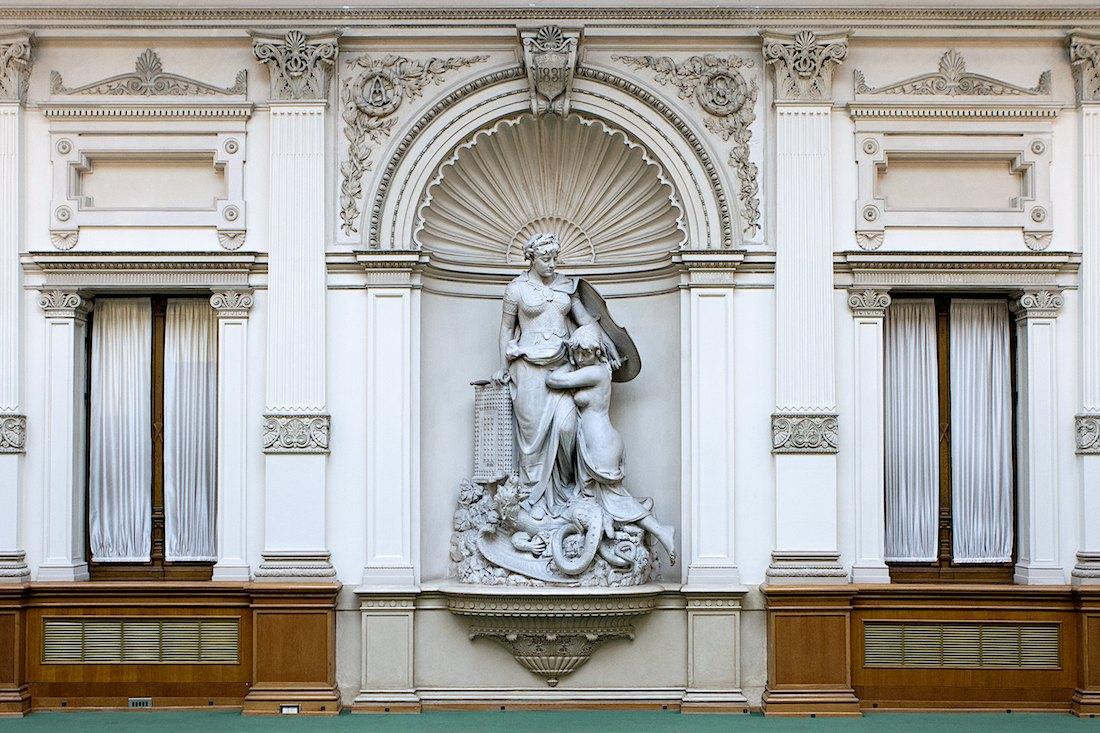 Allegoria dell'assicurazione (Ivan Rendic). Foto di Massimo Goina. Patrimonio Artistico Gruppo Generali. Trieste.